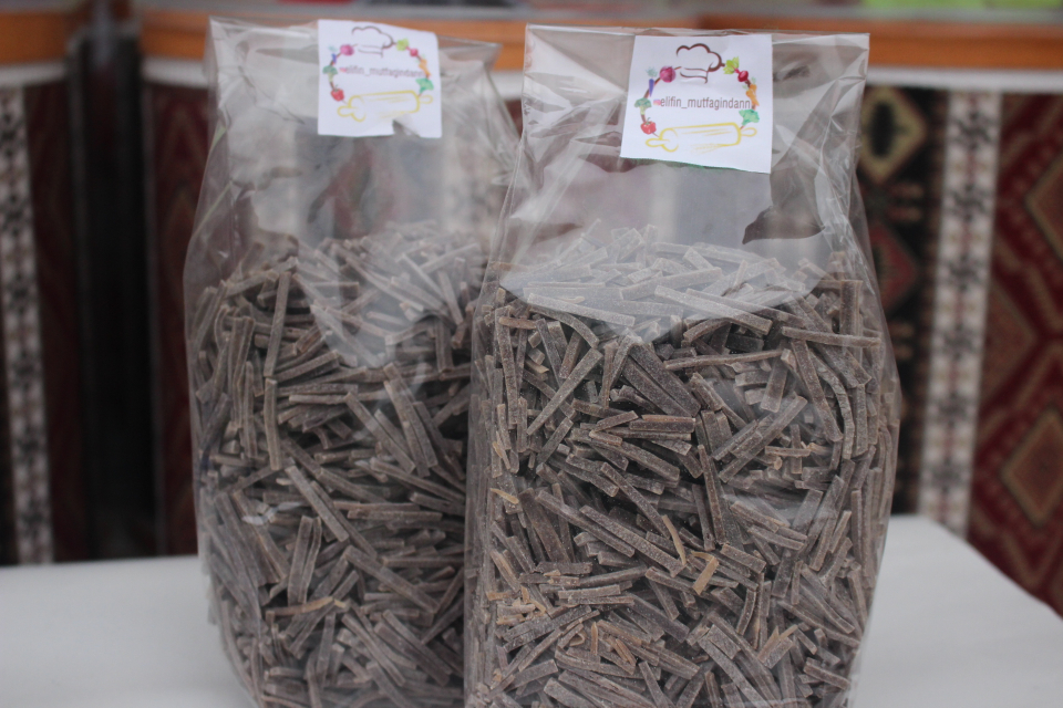 Kara Havuçlu Erişte (250 Gr)